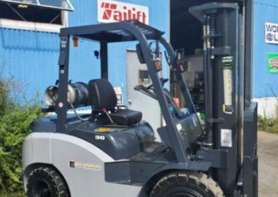 Starke Solid Tire 6000Lb Capacity